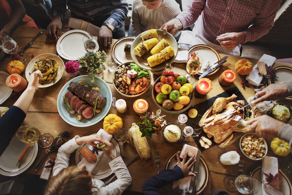 Tips for Hosting Guests This Holiday Season - credit: rawpixel 123rf com