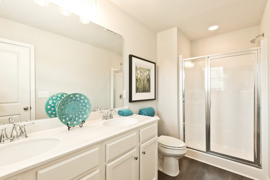 A compact master bathroom makes mornings easier