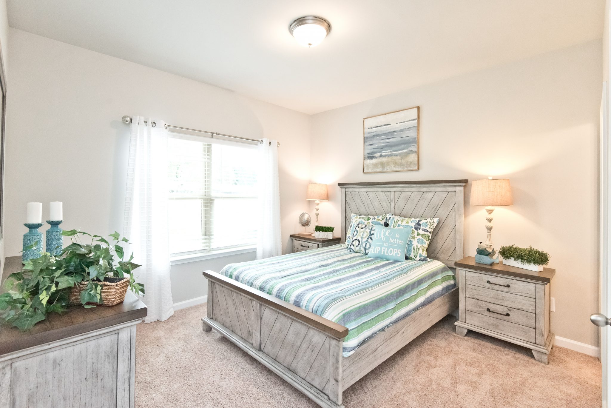 A guest room in Villas at Hickory Grove