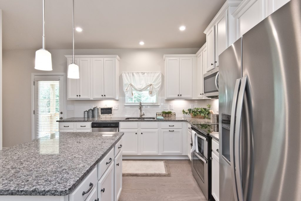 A kitchen at Cantrell Crossing