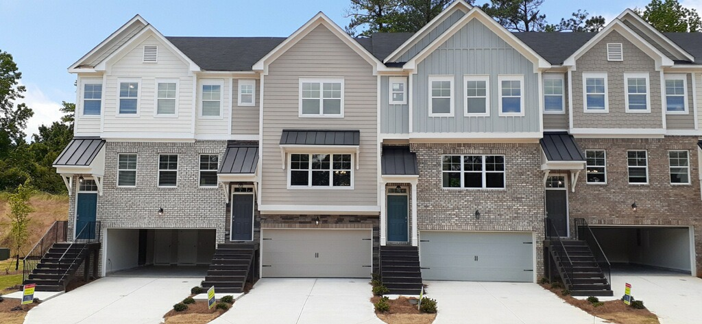 Cantrell Crossing Exterior
