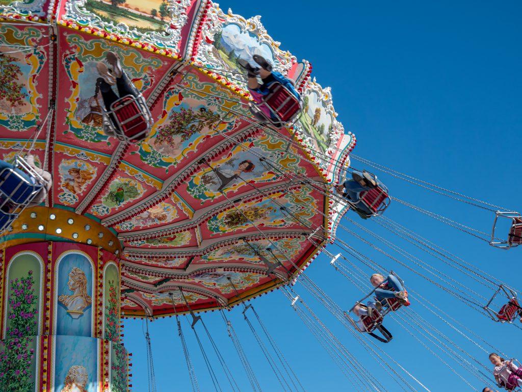Georgia Fair In The Fall Chain Swings animaflorapicsstock © 123rf